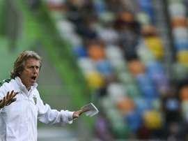 Jorge Jesus não obteve o resultado pretendido com o novo esquema táctico utilizado. AFP