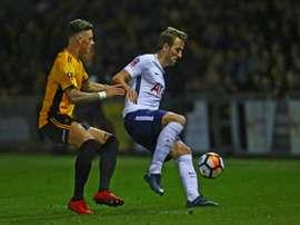 El empate a un gol del primer partido deja opciones al Newport County. AFP