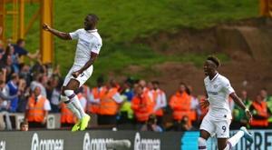 Rennes want Fikayo Tomori (L). AFP
