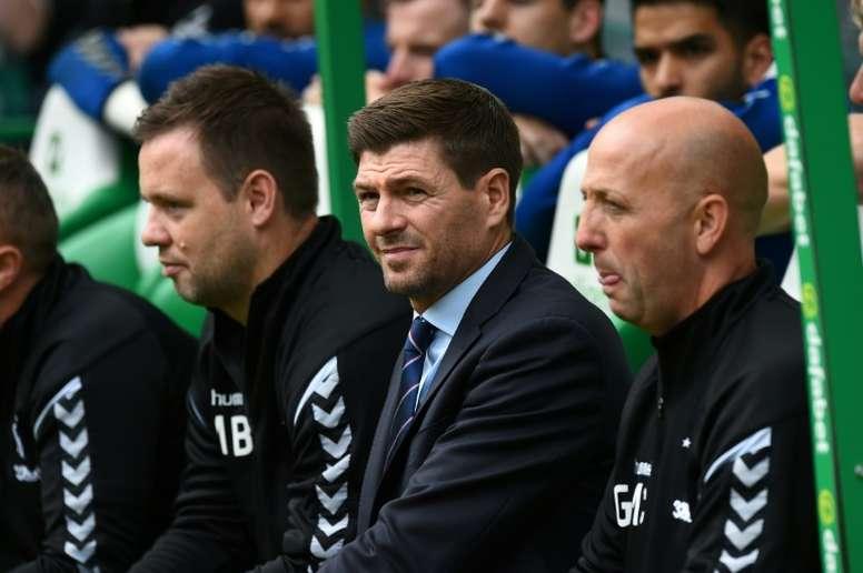 Gerrard parece satisfecho con el rendimiento de sus pupilos. AFP/Archivo