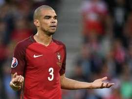 Pepe foi criticado por Gary Lineker. AFP