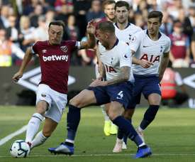 West Ham has extended the contract of captain Mark Noble. AFP
