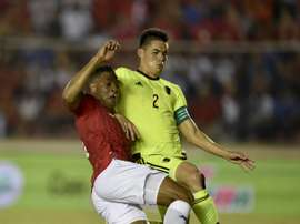 Panamas player Roberto Nurse (L) vies for the ball with Wilker Angel of Venezuela during the friendly match, at the Rommel Fernandez Stadium in Panama City on May 24, 2016