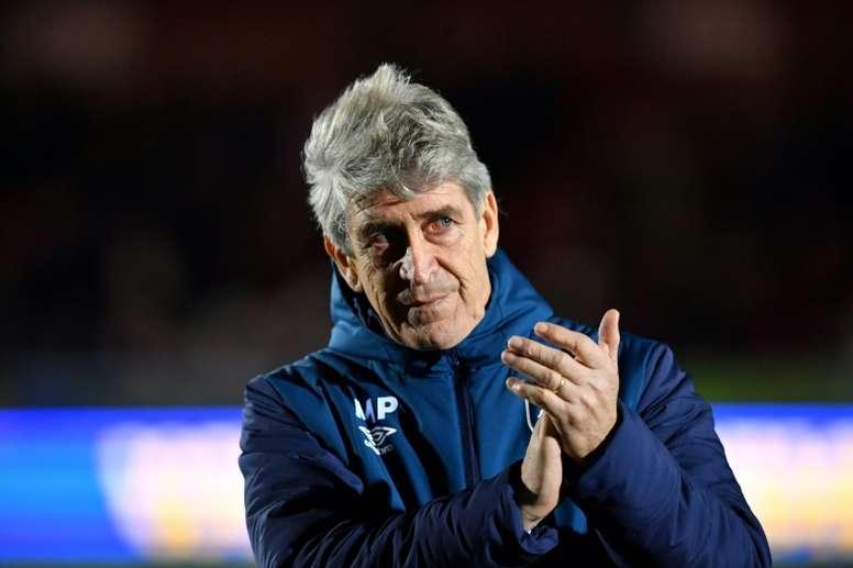 El Valencia negó haber hablado con Pellegrini. AFP
