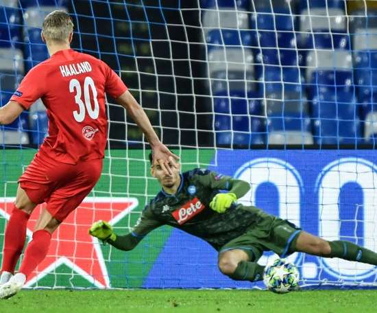 Alex Meret croit à la qualification. AFP