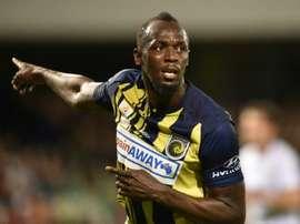 Bolt será jugador profesional