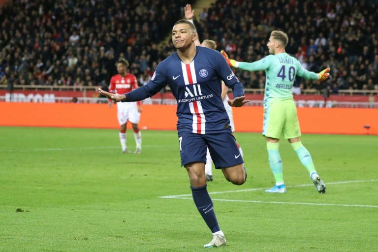 Kylian Mbappé on Real Madrid links