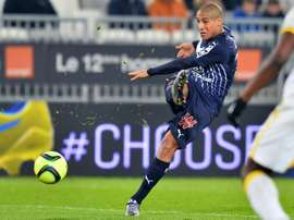 Tunisian midfielder Wahbi Khazri shoots the ball during the French Ligue 1 football match between Bordeaux and Lille on January 16, 2016