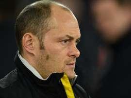 Alex Neil pasó de ronda junto a su Preston North End. AFP