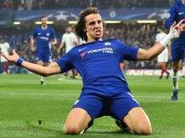 El nombre de David Luiz suena en el Camp Nou. AFP