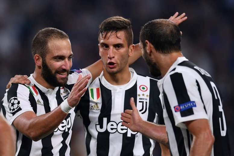 Bentancur (C) is wanted by Barcelona and Man City. AFP