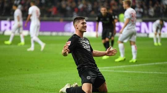 O Barça quer assegurar Jovic no prazo de um mês. AFP