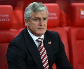 El técnico del Stoke City, a punto de recibir a Wimmer. AFP