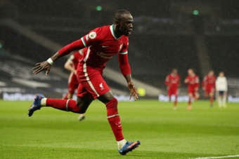 Liverpool vence Burnley.AFP