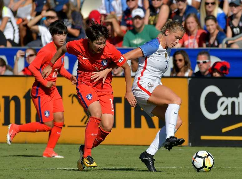 US women's defender Dahlkemper in hot water over acne