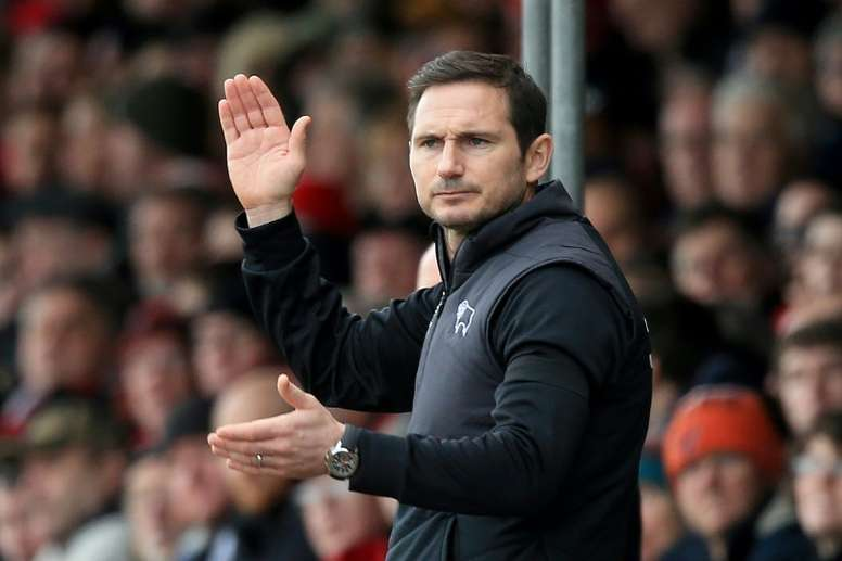 Lampard estaría a punto de sentarse en el banquillo 'blue'. AFP