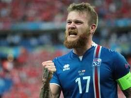 El capitán de Islandia no está asustado ante el partido de la anfitriona. AFP