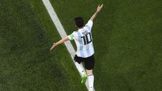 El '10' sigue sin ser asignado en Argentina. AFP