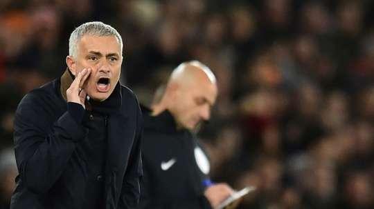 Mourinho, protagonista dentro e fora de campo. AFP