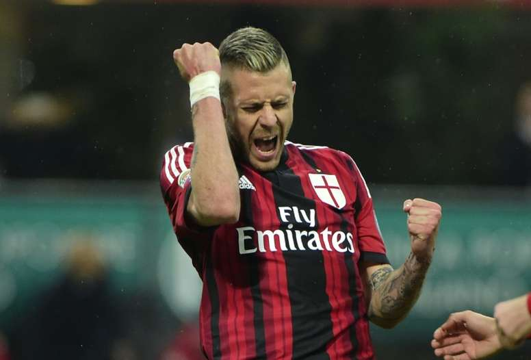 8e16eeb08 Pin AC Milan midfielder Jeremy Menez celebrates after scoring a penalty  during an Italian Serie A match
