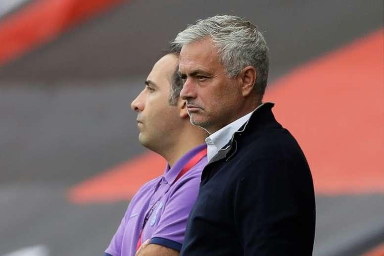 El Tottenham sufrió, remontó y Mou sacó una vez más el mazo a pasear. AFP