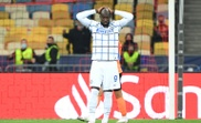 Romelu Lukaku sofreu lesão muscular na Champions League. AFP