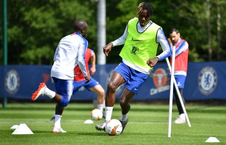 Trevoh Chalobah destacó por sus actuaciones en la Supercopa y en la Premier. AFP