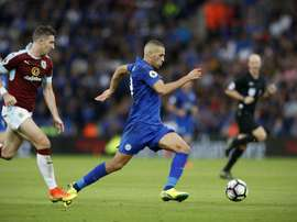 Leicester Citys Algerian striker Islam Slimani (C) runs with the ball during the English Premier League football match between Leicester City and Burnley