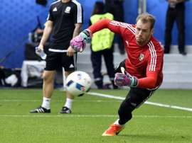 Wales goalkeeper Wayne Hennessey warms-up prior to the match between Wales and Slovakia. BeSoccer