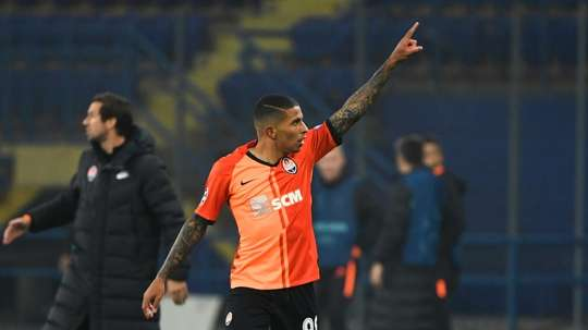 Shakhtar, Dinamo Zagreb draw to leave path clear for Man City. AFP