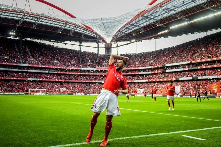 Benfica y Alverca, de la mano. AFP