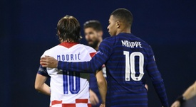 Kylian Mbappé e Luka Modric deram uma demonstração de cordialidade na internet. AFP