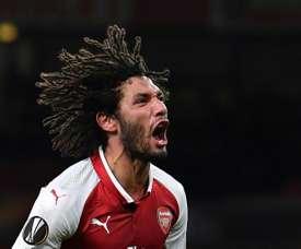 Elneny renova pelo Arsenal. AFP