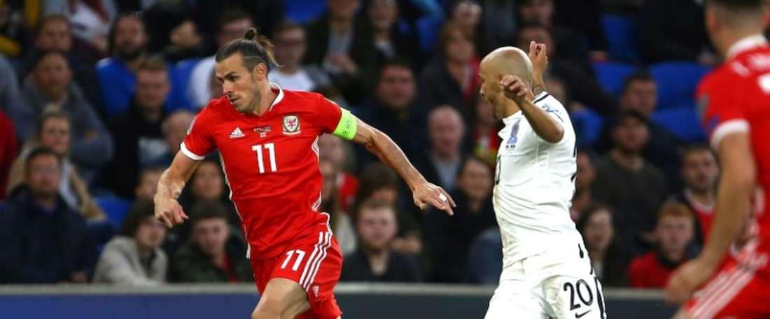 Bale (i) fue el protagonista del encuentro. AFP