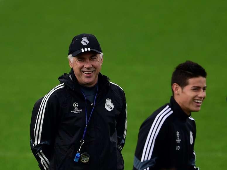 Ancelotti félicite encore James Rodriguez. AFP