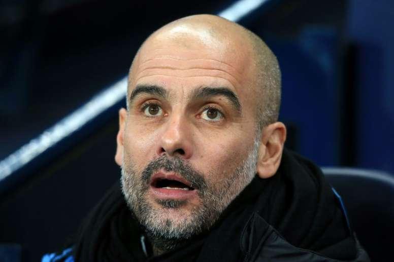 Guardiola se mostró fiel a los colores. AFP