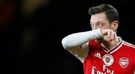 Özil tiene claro que no saldrá del Arsenal a no ser que sea a Turquía o a los Estados Unidos. AFP