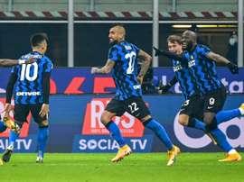 Vidal, más del Inter que Giuseppe Meazza. AFP/Archivo