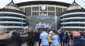 La Premier League, suspendida. AFP