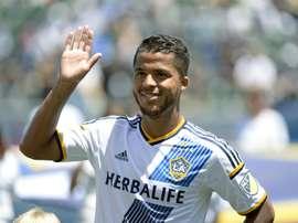 O mexicano Giovani Dos Santos marcou dois gols da vitória do Los Ángeles Galaxy. AFP