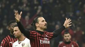 Ibrahimovic, elogiado por un mito del Milan. AFP