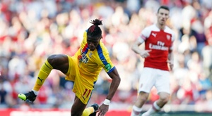 Crystal Palace hope to prevent Zaha's departure. AFP