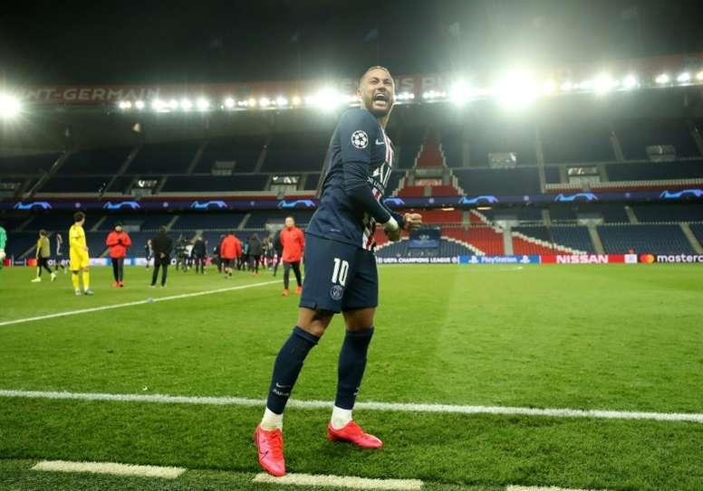 Bartomeu não acha que Neymar sairá do PSG. AFP