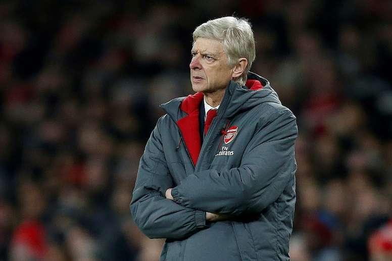 Wenger não rodou muito a equipe, e por isso houve goleada no Emirates. AFP