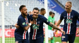 Neymar (L) gave PSG the French Cup with the only goal of the game. AFP