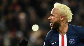 Desejo de Neymar seria renovar com o PSG. AFP