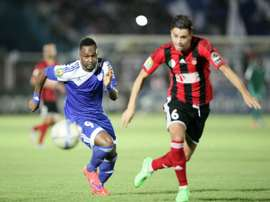 Sudans El-Hilal Boubacar Kebe (L) fights for the ball with USM Algers Farouk Chafai during their CAF Champions League semi-final match, in the Sudanese capitals twin city of Omdurman, on September 27, 2015