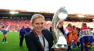 Nielsen, Precheur y Wiegman lucharán por premio al mejor técnico de fútbol femenino. AFP