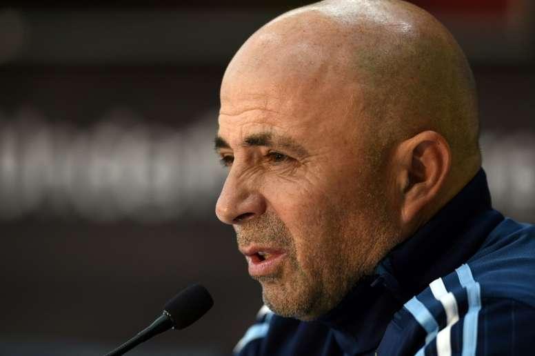 El técnico argentino no dio ninguna pista sobre quién será el guardameta titular. AFP/Archivo