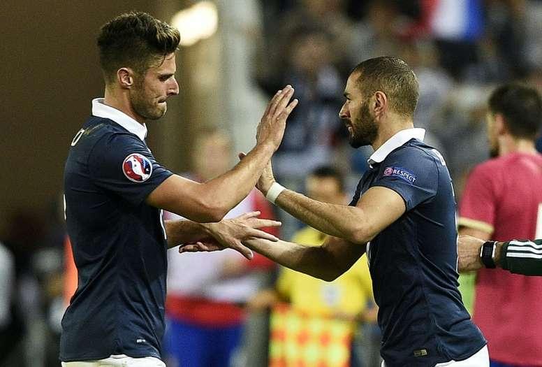 Rothen se puso del lado de Karim Benzema. AFP